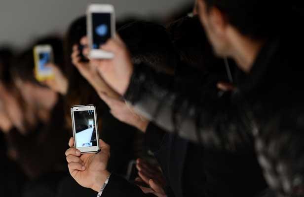 tecnologia, kyocera, telefono celular, futuro, tech, technology, iphone, samsung, alejandro badanian, july latorre, julieta latorre, tendencias, trends, startups