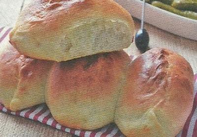 Выпечка пирожков с огурцами с добавлением других овощей