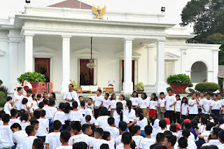 Presiden Minta Anak-anak Manfaatkan Waktu Luang Untuk Bermain di Luar Ruangan