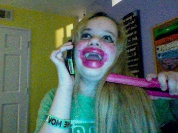 Funny Images Of Girls With Hilarious Makeup, funny images, funny images of girls, most funny images, latest funny images, funny tasveeren, majedar images, majedar tasveeren