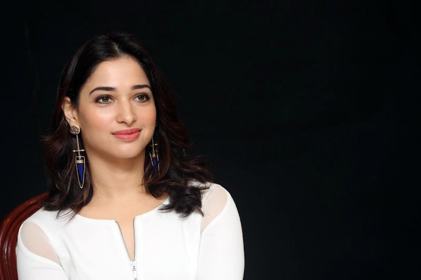 Tamanna Photoshoot at Abhinetri Movie Interview