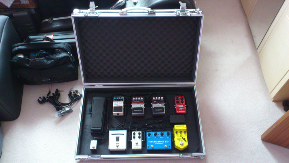 continual riff guitar pedal reviews and worship thoughts spider xl pedalboard case pics. Black Bedroom Furniture Sets. Home Design Ideas