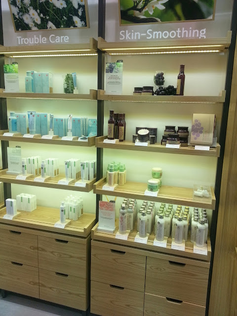 Rejuvenating Hands – A Special Handcare Session by Innisfree
