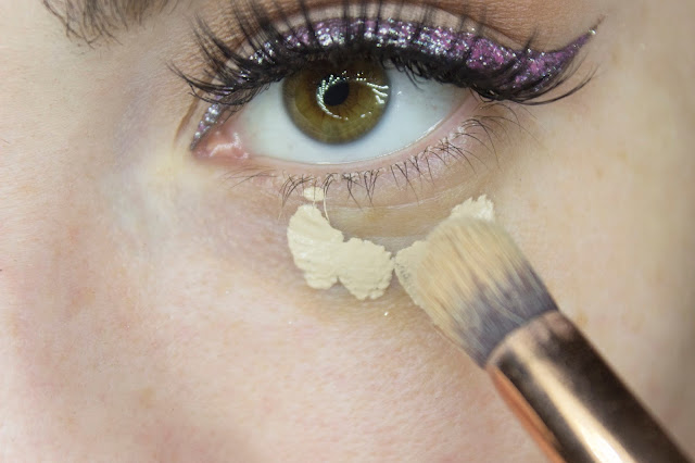 New year make-up 2018, step 11: concealer Art-Visage Miracle Touch 102