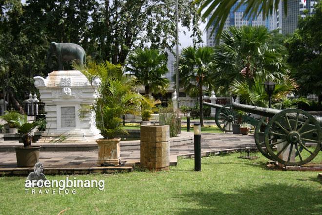 museum nasional indonesia meriam lapangan kuno