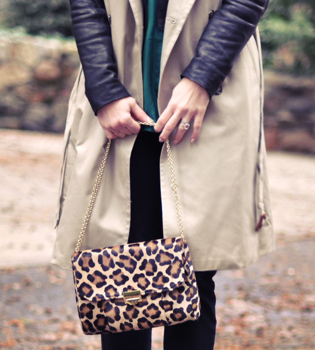 emerald green blouse, sleeveless trench leather coat, leopard print bag, winter style