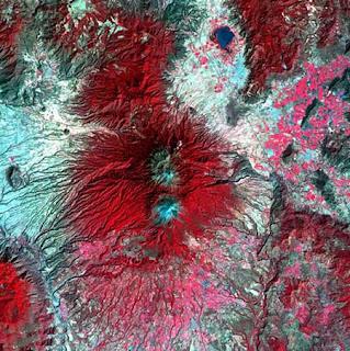 ستون صورة مدهشة لكوكب الأرض من الأقمار الصناعية 111.jpg