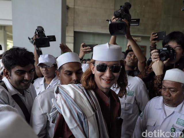 Novel Bamukmin: Habib Bahar Sebaiknya Laporkan Balik Jokowi Mania