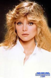 ميشيل فايفر (Michelle Pfeiffer)، ممثلة أمريكية