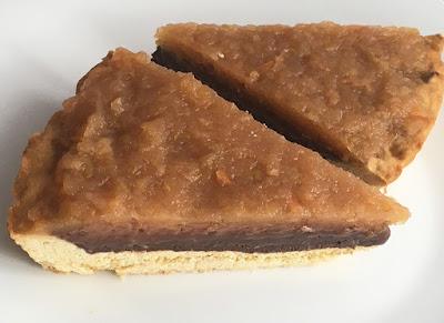 Ciasto z jabłkami i kremem czekoladowym