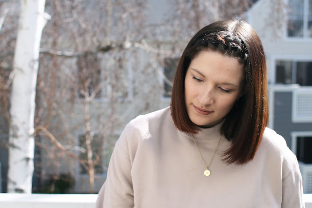 Gold Jewelry, New mom, Beige sweater, Uniqlo, brunette, hair inspo
