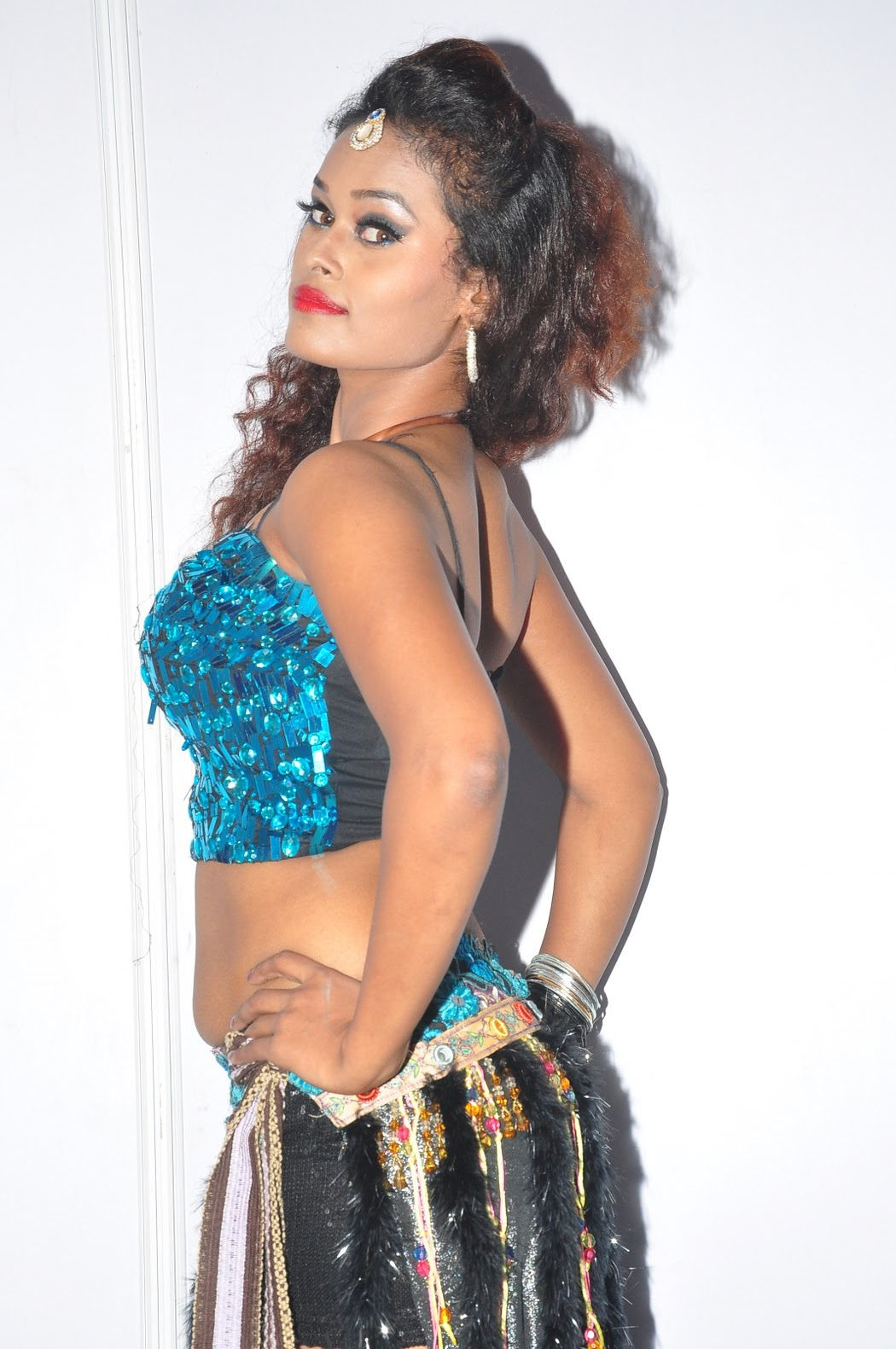 dancer nisha new sizzling pics-HQ-Photo-11