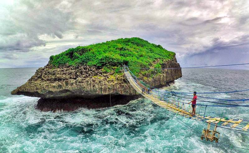 Pantai Pulau Kalong Gunungkidul