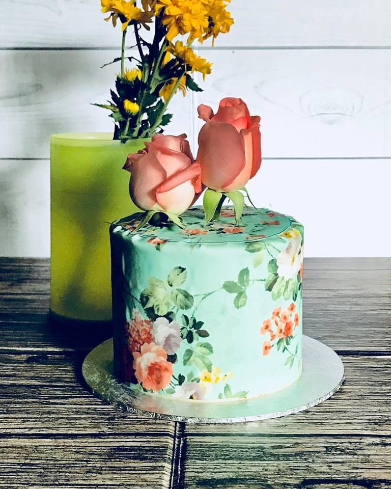 halal wedding cake singapore izah s kitchen vintage print cake halal cake singapore 15036