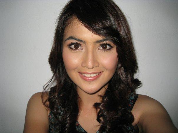 Model Hot Bugil Indonesia: Indonesian Sexy Celebrity Blog