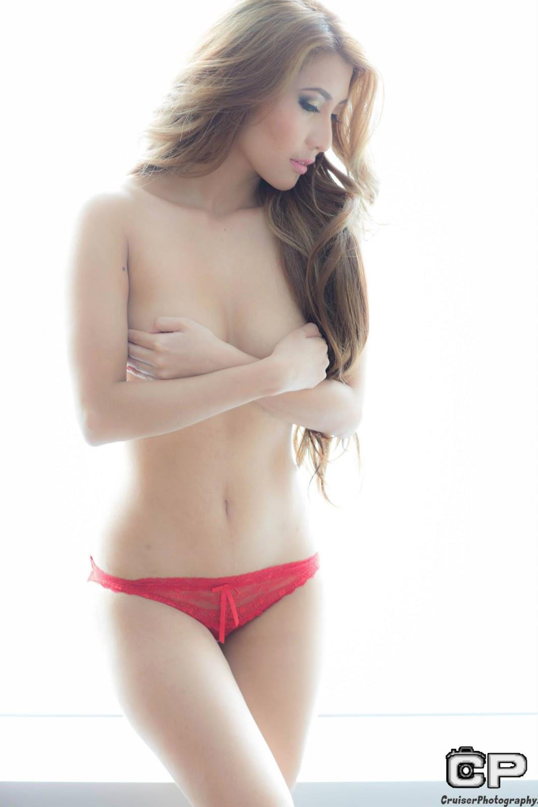 cristina oquias sexy topless pics 03