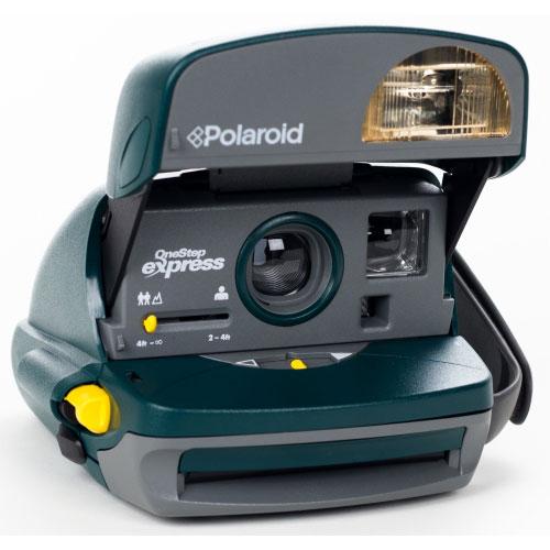 No final do século passado a Polaroid apresenta a Polaroid iZone, uma câmera  instantânea de bolso com uma ampla gama de cores brilhantes. 8d997491ca