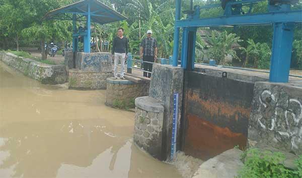 warga jatiraga majalengka minta normalisasi sungai cibuaya