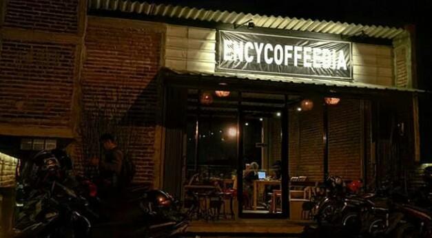 Ngopi Sambil Menikmati Pemandangan Kota Semarang di Encycoffedia - ™