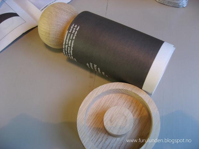 Papir rulles rundt pottemakeren