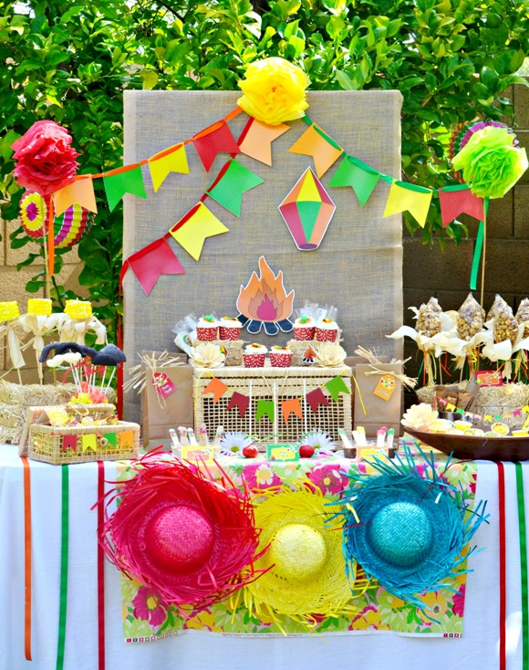 A Brazilian Festa Junina Traditional Party  - via BirdsParty.com