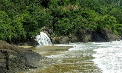 Wisata Pantai Banyu Anjlok Malang