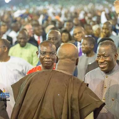 Dino Melaye greets jonathan at Dunamis Inauguration