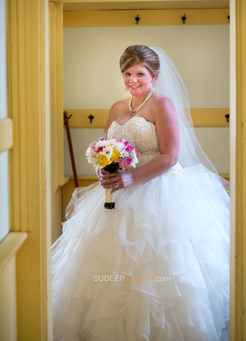Rustic Wedding Photography - Ann Arbor Photographer Sudeep Studio.com