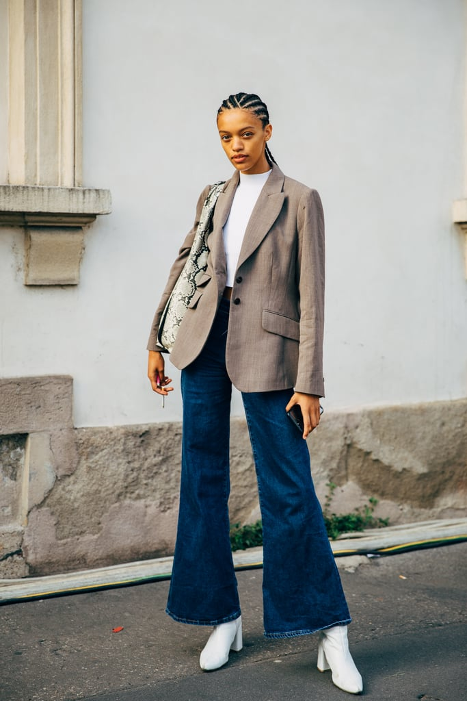 How to Pull Off Flared Jeans for Fall — Street Style Outfit Inspiration