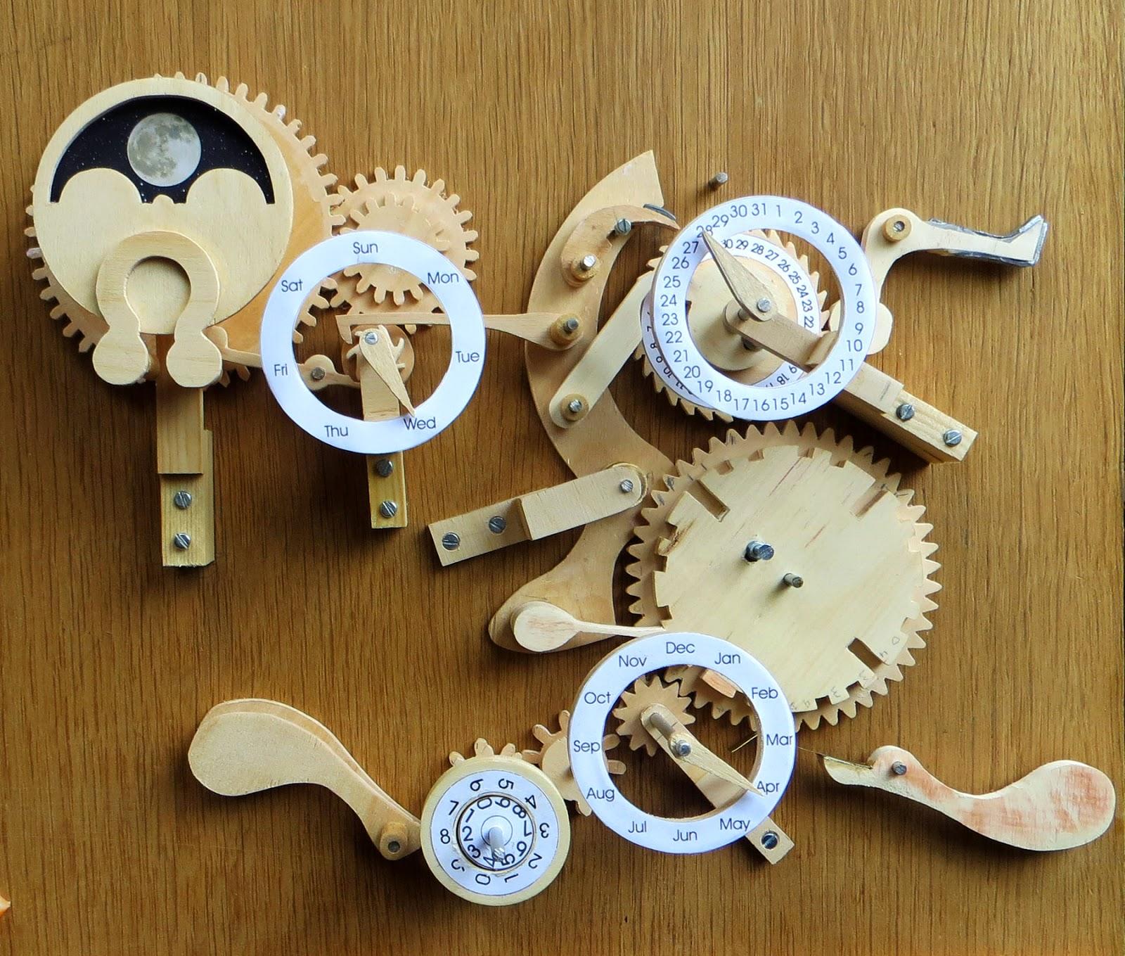 Wooden Clock Spot: Perpetual Calendar
