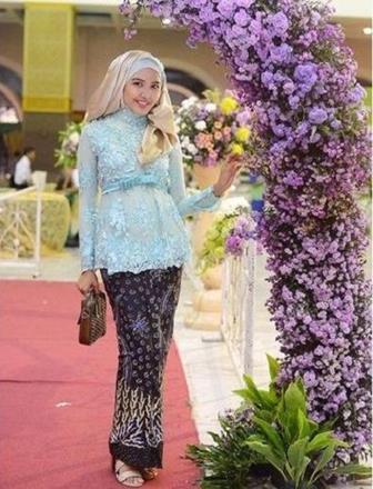 49+ Model Baju Kebaya Muslim Modern Berjilbab Tapi Modis TERBARU