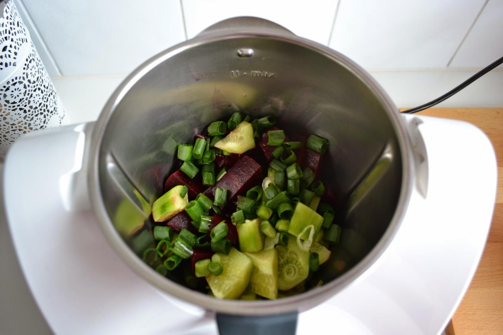 Sopa fría de remolacha - recetas sanas de verano