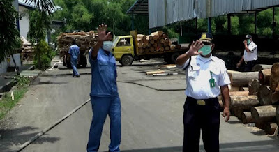 Respon Keluhan Warga, Komisi C Sidak Pabrik Kayu Lapis