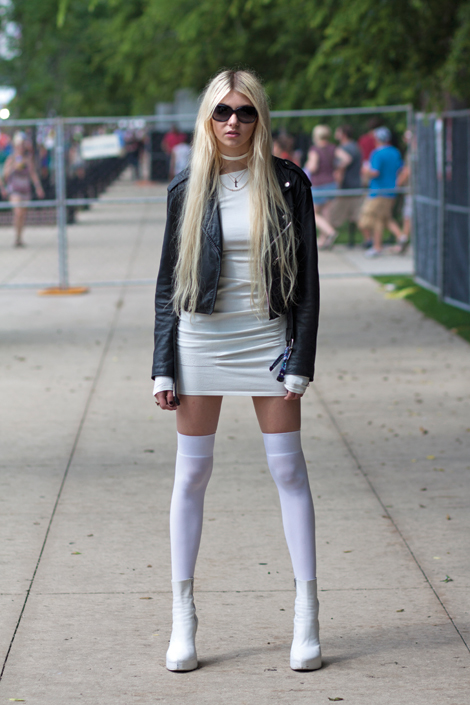 Taylor Momsen Shoots 'Gossip Girl' In A Seriously Buckled ...