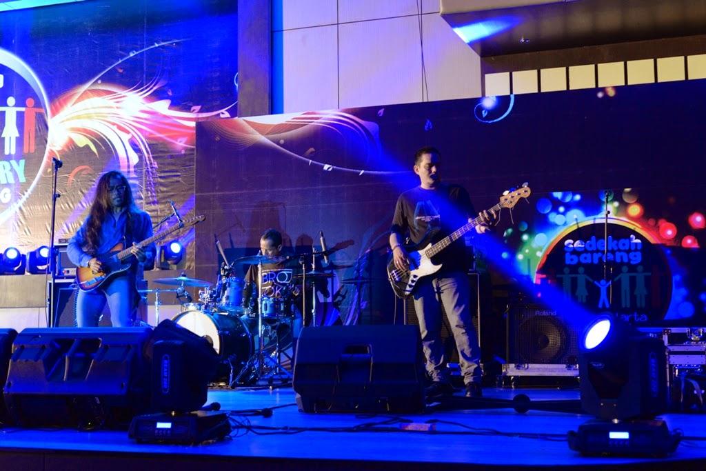 Band Performance 2nd Anniversary Sedekah Bareng