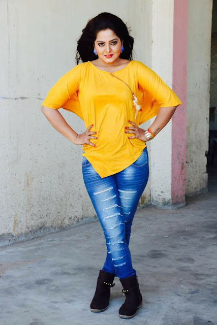 Anjana Singh is a most popular actress of bhojpuri cinema