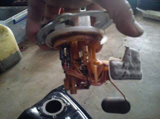 pompa motor injeksi kotor