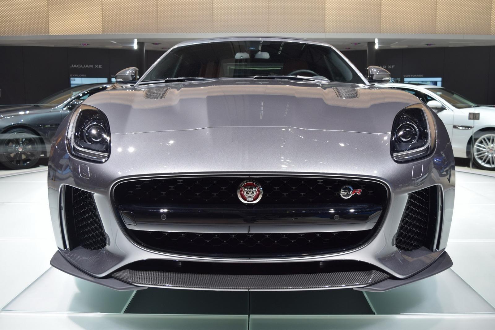 Jaguar F-Type SVR 2017 chính thức ra mắt tại Geneva Motor Show 2016