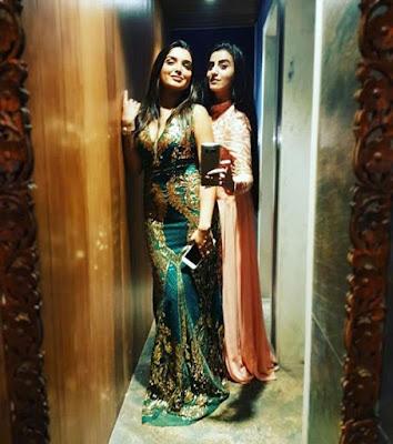 Instagram HOT Selfie Picture: भोजपुरी सिनेमा के दो खूबसूरत हीरोइन आम्रपाली दुबे और अक्षरा सिंह