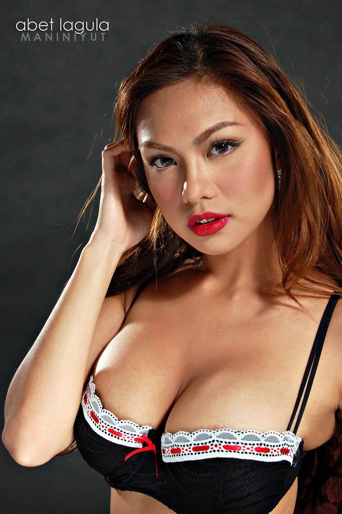 jahziel manabat sexy topless pics 02