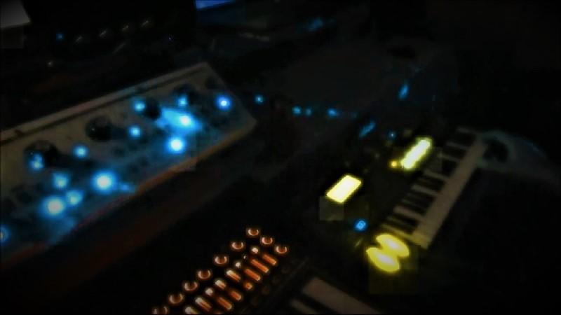 Экспериментальные видео-сессии композитора Игоря Склярова Подборка из 13-ти видео-роликов за 2017 год