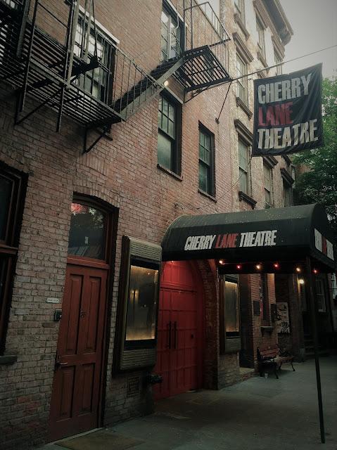 Uma-miúda-em-Nova-Iorque-3-armazem-de-ideias-ilimitada-cherry-lane-theatre