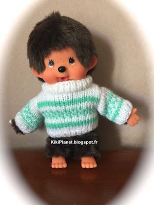 Pull blanc et vert pour Kiki ou Monchhichi - tricot - vêtement - vintage