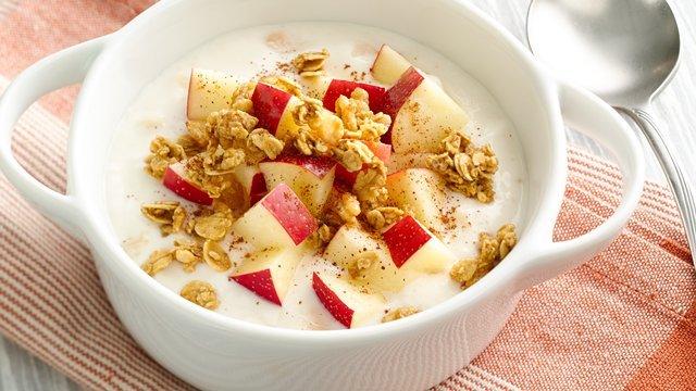 Giảm cân hiệu quả bằng sữa chua và táo