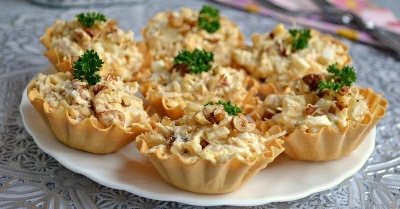 Вкусный блог: Салат с курицей и ананасом в тарталетках.