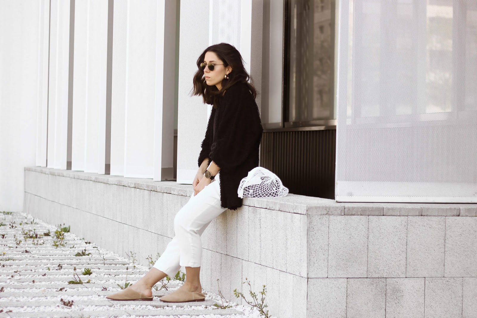MARKET BAG  WHIDE PANTS AND LOAFERS LOOK