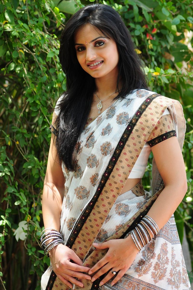 Ritu kaur New Telugu Actress In Saree Stills