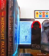The Page Walker The Mist Trilogy La Trilogía De La Niebla By Carlos Ruiz Zafón