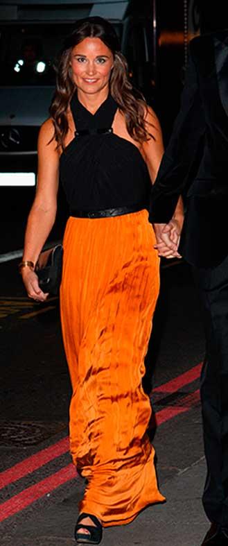 Pippa Middleton look vestido preto e laranja, irmã da Kate