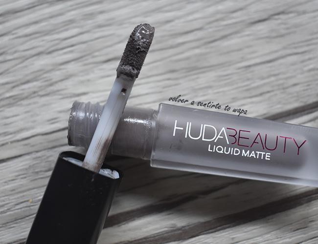 Cofre de labios Contour & Strobe de Huda Beauty: Silver Fox & Enchanting